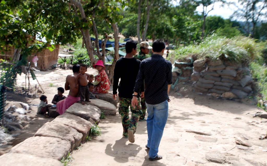 Preah Vihear, gun emplacements along old path between car park and gopura V