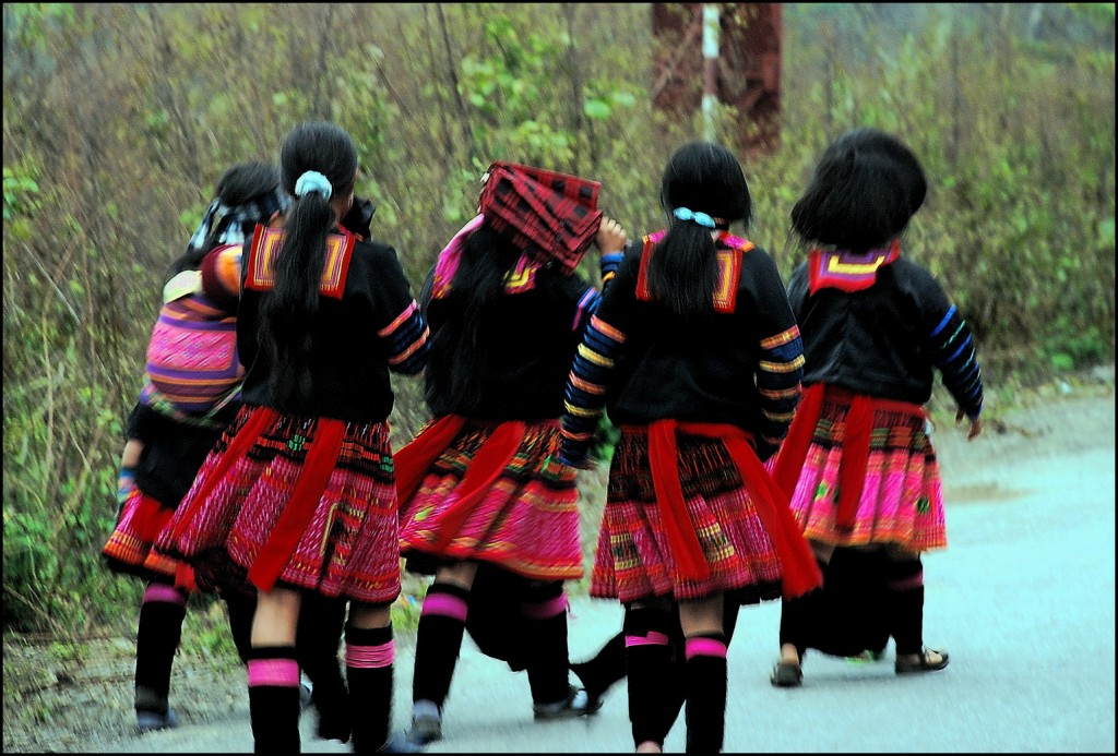 Red Hmong girls on the way to market