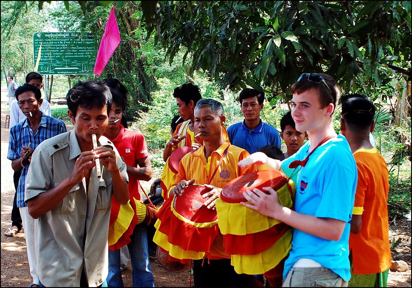 Cambodia Family Tour. Temple fund-raiser near Skuon