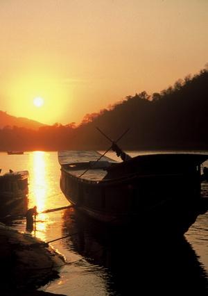Luang Prabang, boats at sunset