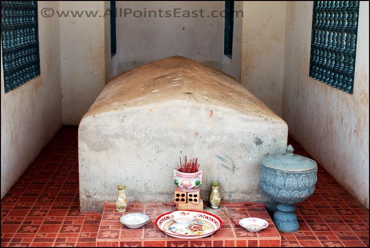 Anlong Veng. Ta 'The Butcher' Mok's grave
