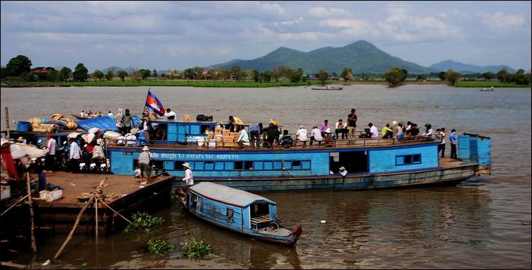 Kompong Chnang, Tonle Sap and hills beyond