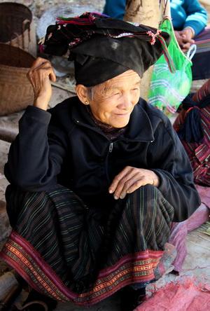 Oudomxai, Black Tai woman