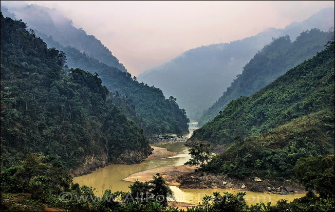 Black River Valley in Vietnam's Lai Chau Province