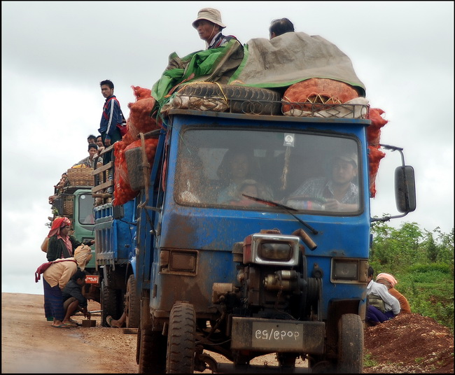 Apparent problems with this vegetable convoy to Aung Ban