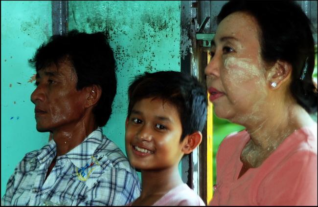 Portraits of Myanmar. Circular train, Yangon