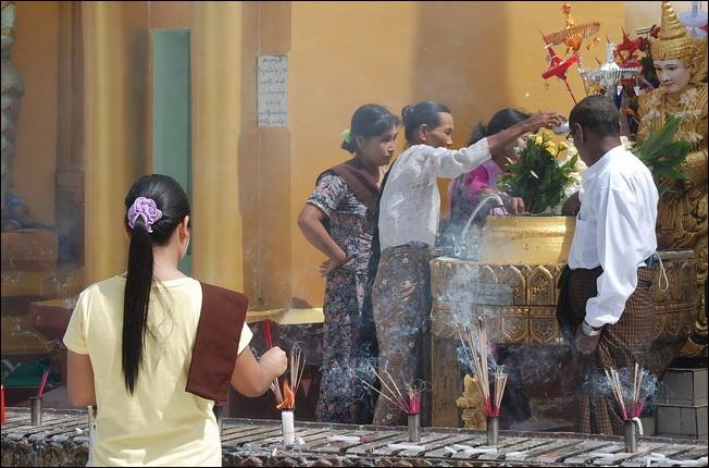 Worshippers at Shwedagon pagoda