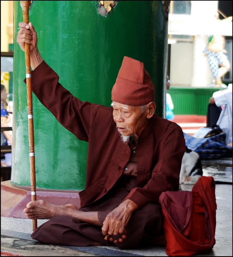 Holy-man in Shwedagon pagoda