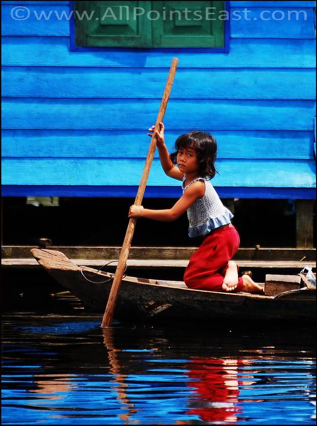 Local life on the Sangkar River