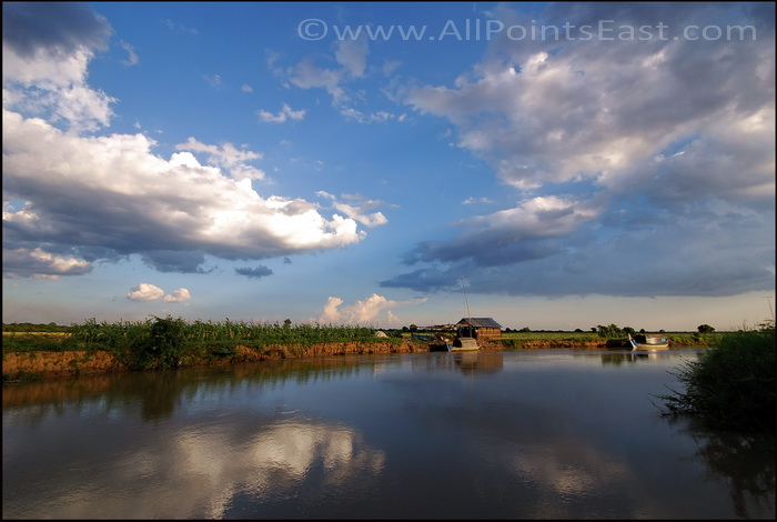 Landscapes of the Sangkar River. Late afternoon light as we near our destination