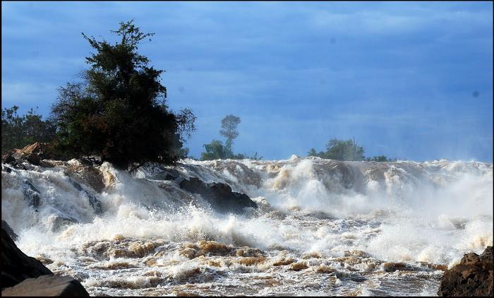 Khone Phapaeng Waterfall