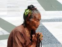 Worshipper at Shwedagon