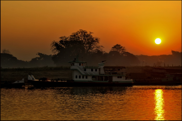 Sunrise over the Irrawaddy