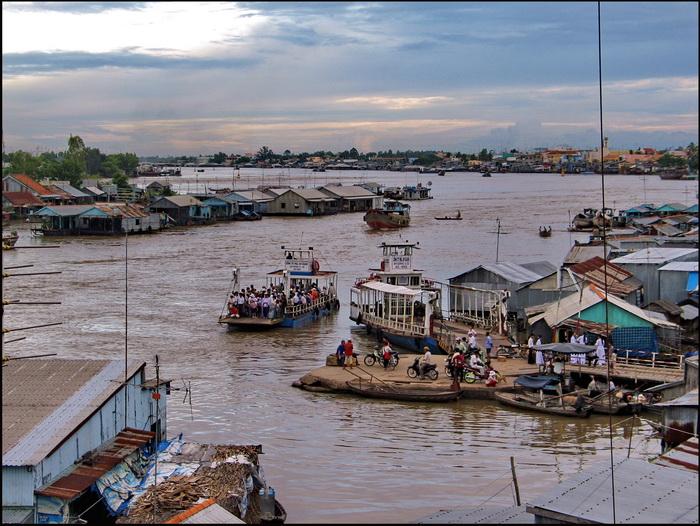 Chau Doc, river scene