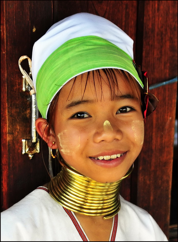 Kayah girl, Lake Inle