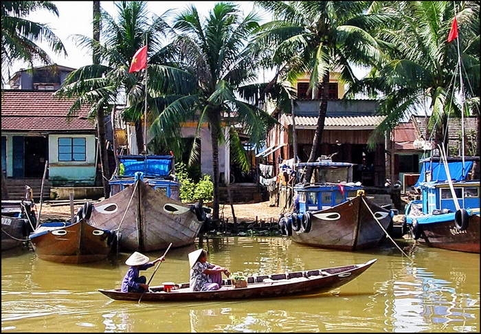 Boat on the Thu Bon River