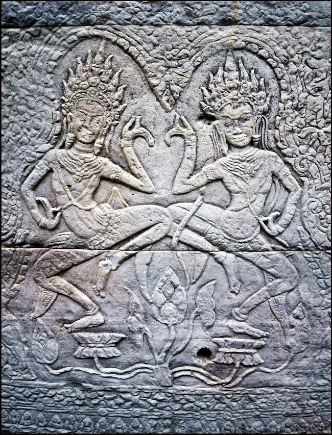 Apsaras in the 'Hall of the Dancers'