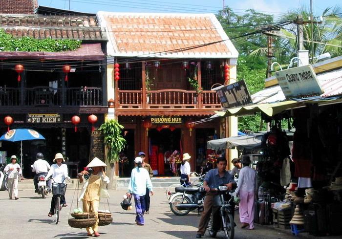 Hoi An, the market area
