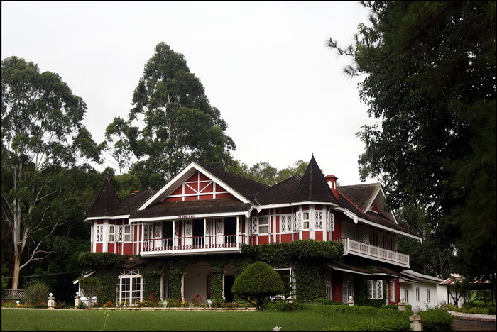 Colonial period house in Maymo