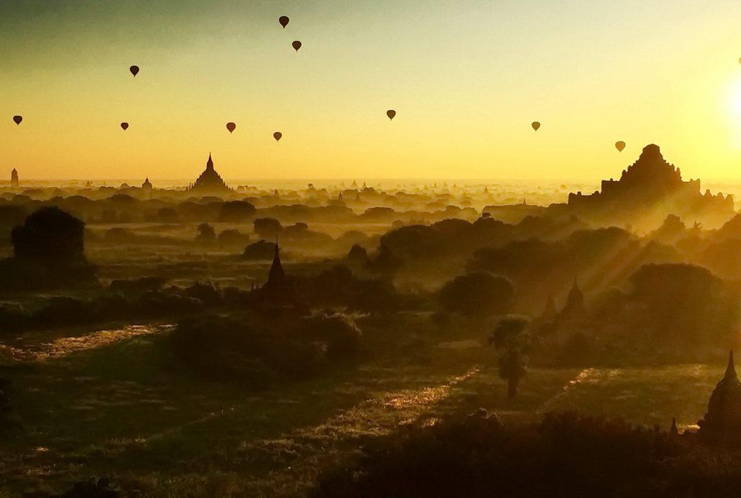 Burma, Myanmar, Bagan dawn