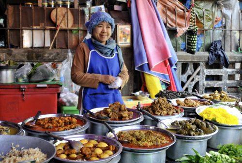 Burma, Myanmar, Hpa-an market