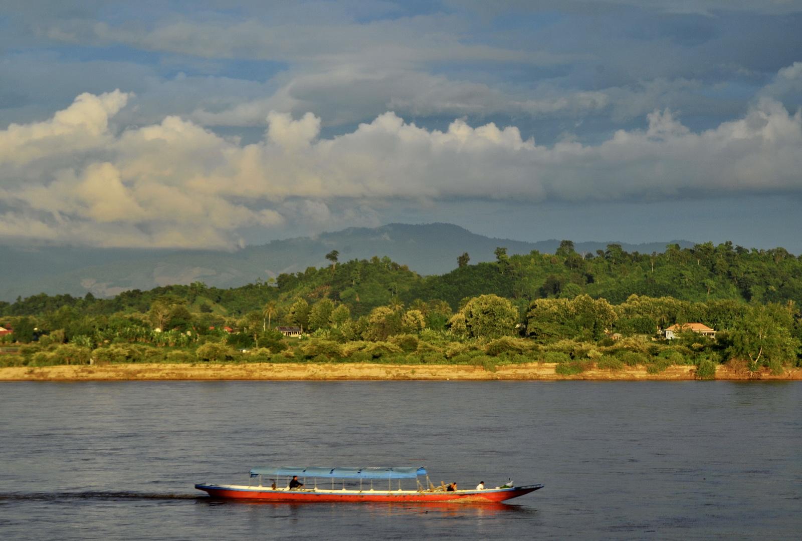Thailand, the Mekong at Chiang Saen