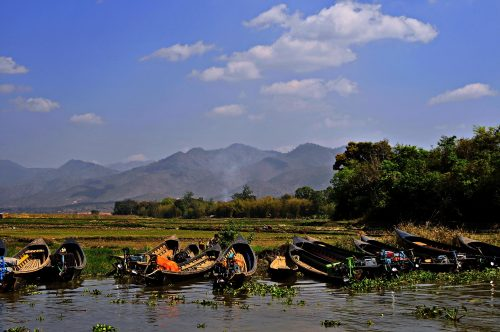 https://allpointseast.com/wp-content/uploads/2013/04/Inle-lake-scenery-500x332.jpg