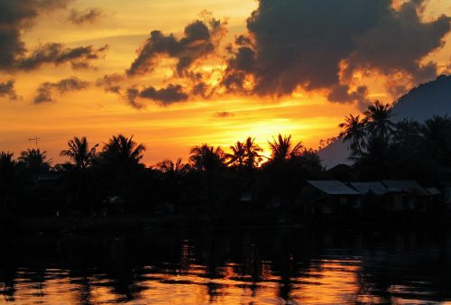 https://allpointseast.com/wp-content/uploads/2013/04/Kampot-sunset-6-500x338.jpg