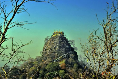 https://allpointseast.com/wp-content/uploads/2013/04/Mount-Popa-500x336.jpg