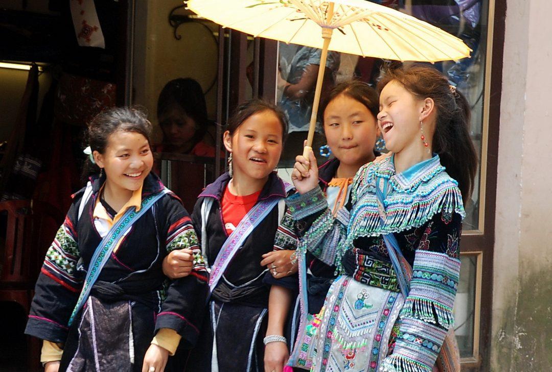 Vietnam, Hmong girls in Sapa