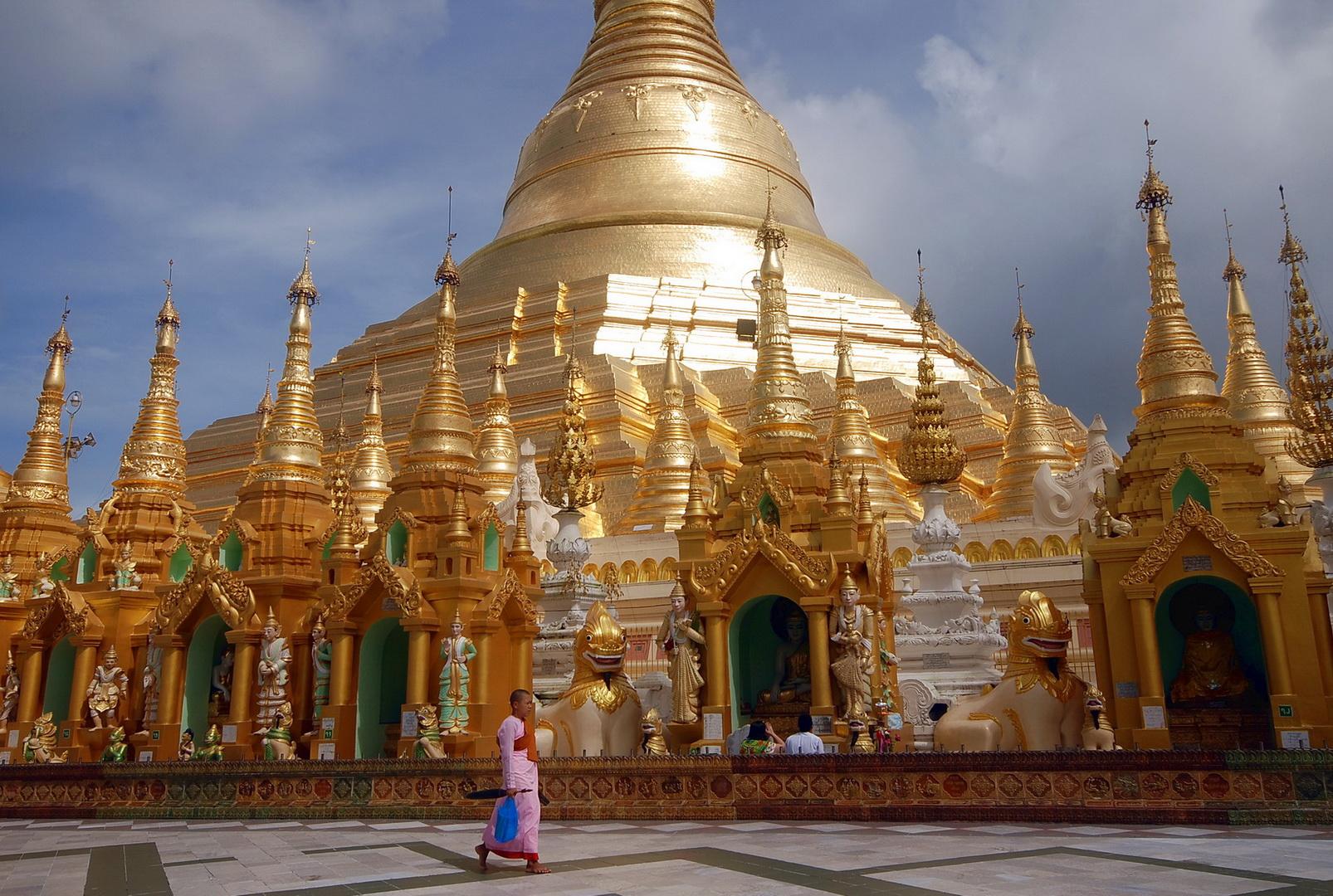 Burma (Myanmar), Shwedagon