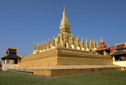 https://allpointseast.com/wp-content/uploads/2013/04/That-Luang-Vte-500x338.jpg
