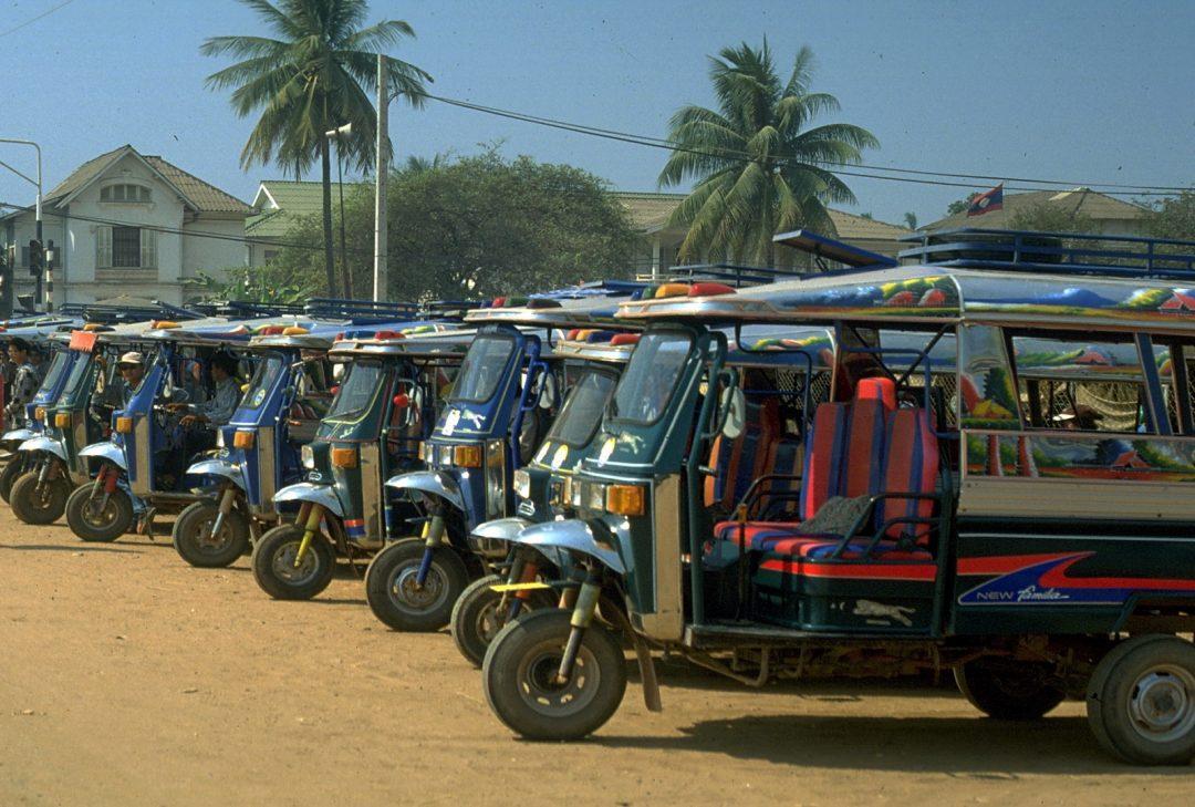 Laos, Vientiane tuk-tuks