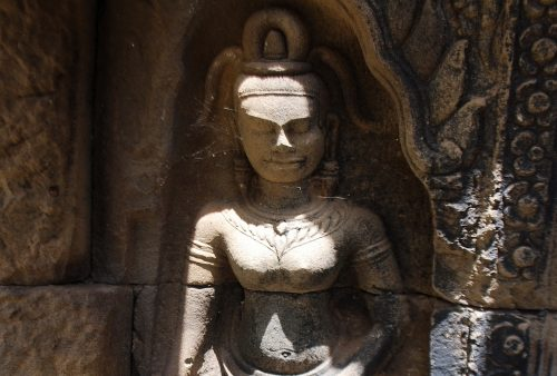 https://allpointseast.com/wp-content/uploads/2013/04/Wat-Nokor-Aug-2009-apsara-500x338.jpg