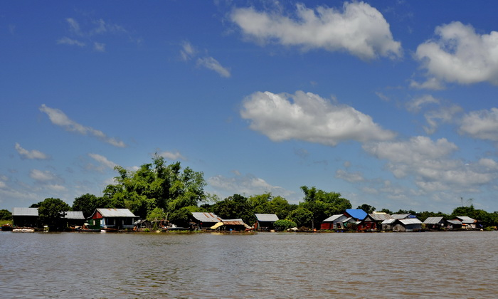 Floating village on the Sangkar River, Battambang