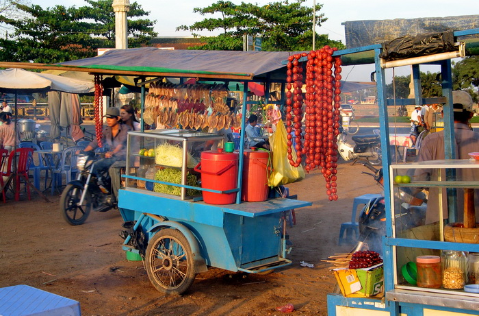 Street food can look tempting but you do have to be a bit more careful than elsewhere