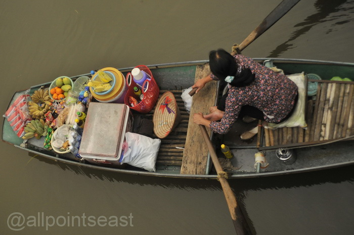 Mobile snack shop for visitors, Tam Coc