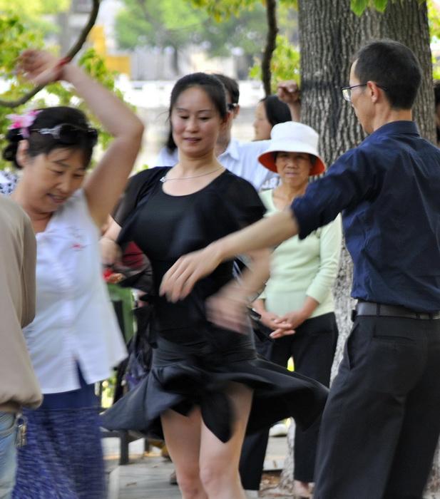 'Strictly' Kunming style