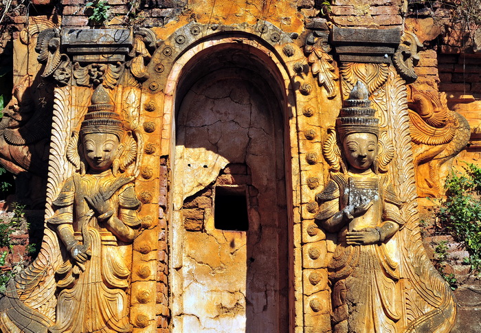 Some great stucco and carvings are still to be found
