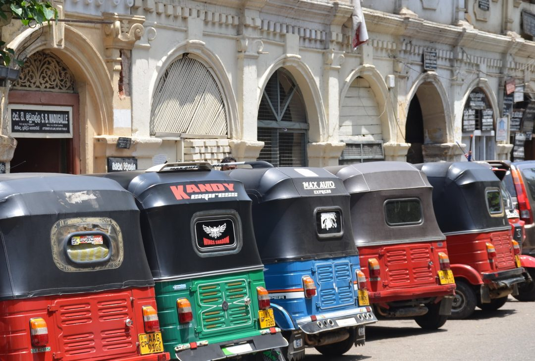 Sri Lanka, Kandy tuktuks
