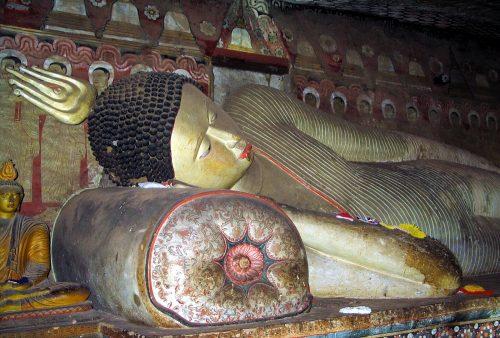https://allpointseast.com/wp-content/uploads/2014/08/Dambulla-cave-2-reclining-Buddha_2-500x338.jpg