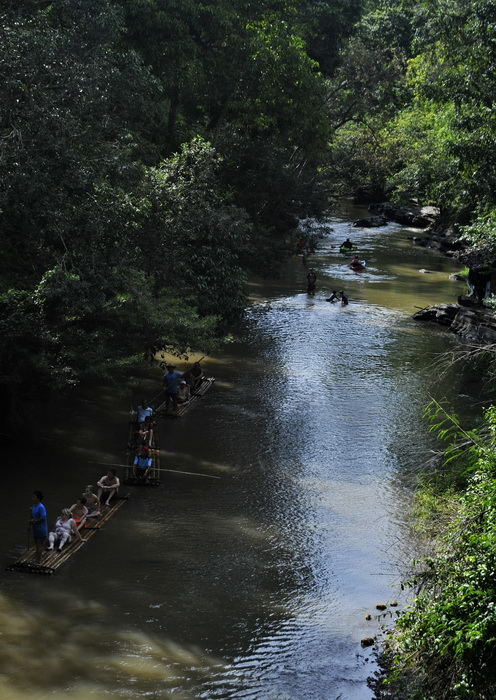 Rafting on the Mae Wang