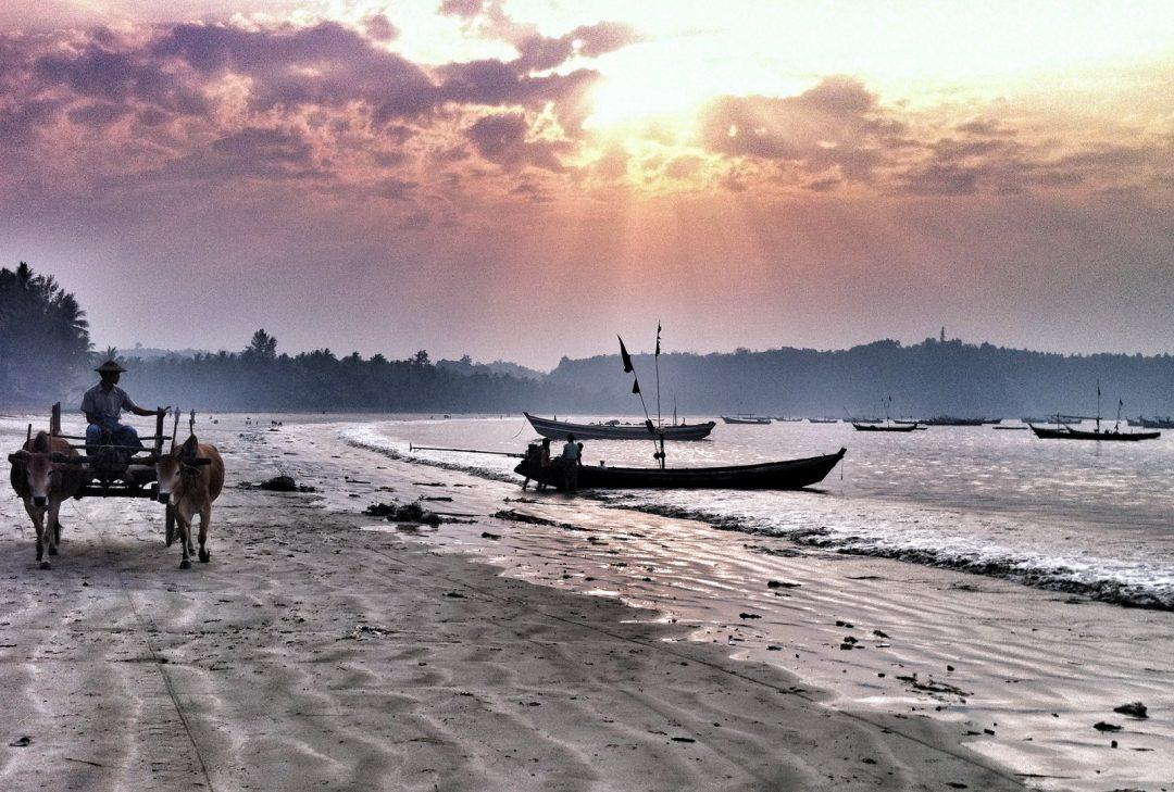 Burma, Ngapali scene
