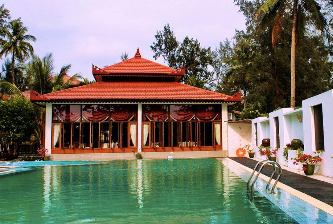 Burma, Ngapali pool