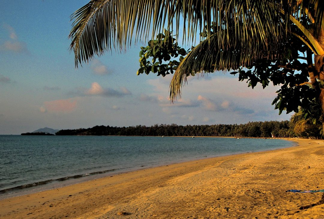 Thailand, Koh Mak - busy day on the beach