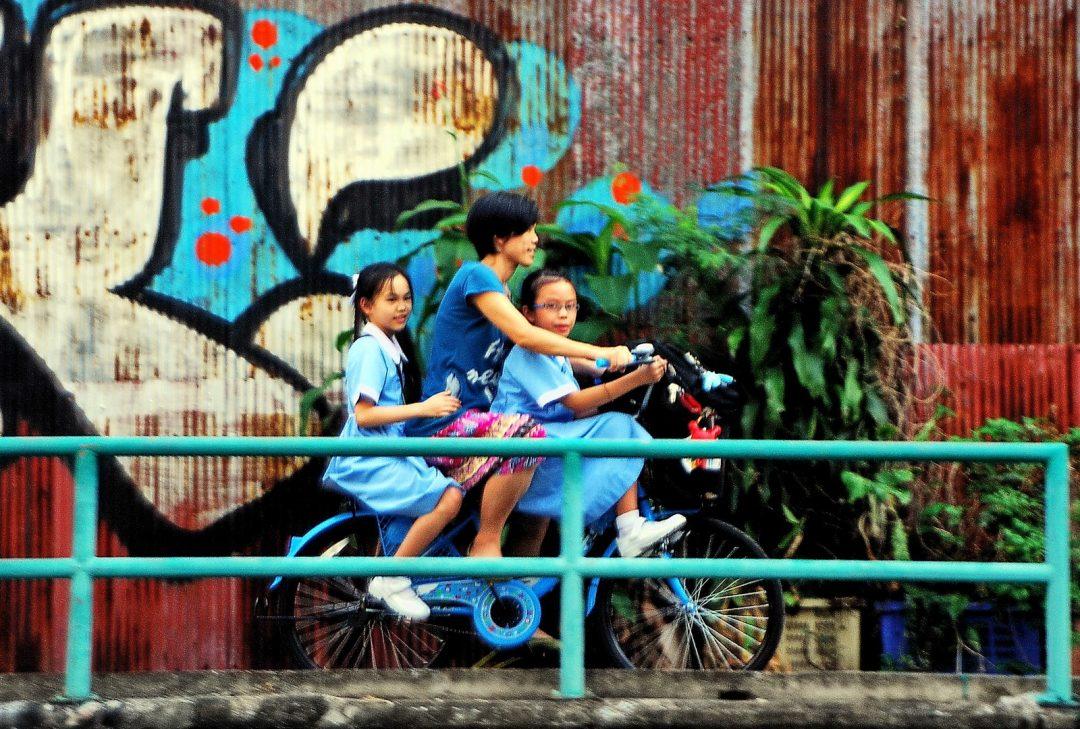 Thailand, Bangkok, canal side scene