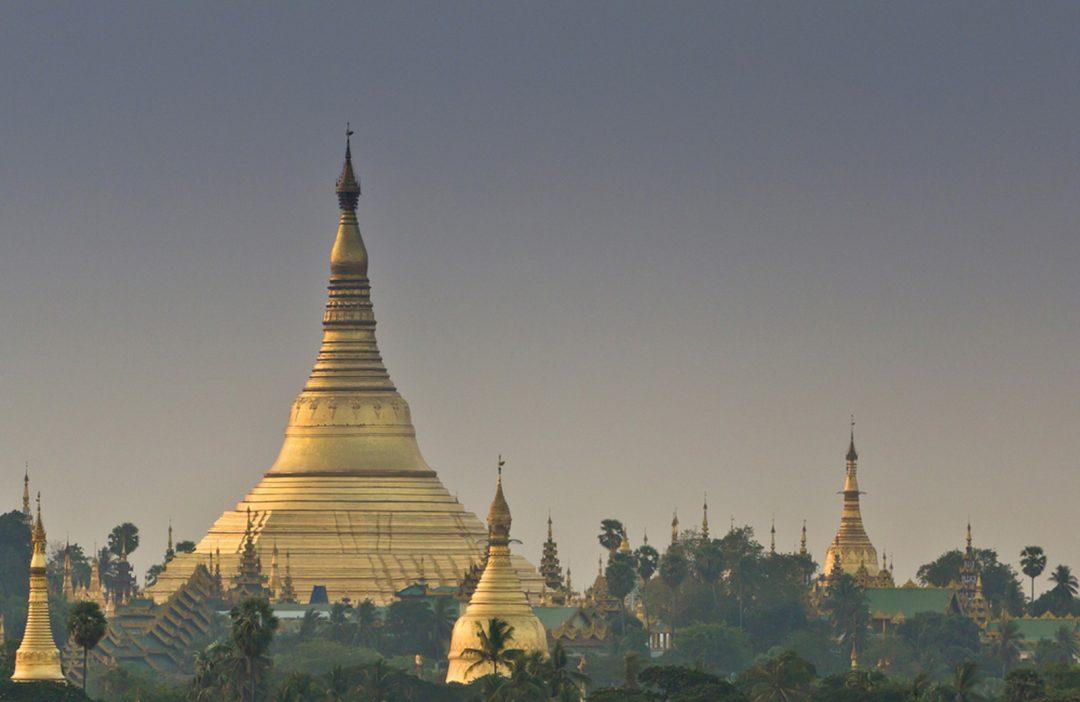 Burma, Myanmar, Shwedagon (by Gary Latham)