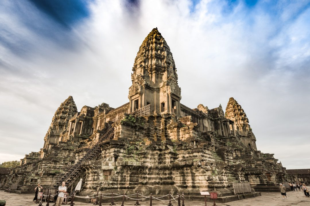 Cambodia, Angkor Wat (by Jeff Perigois)