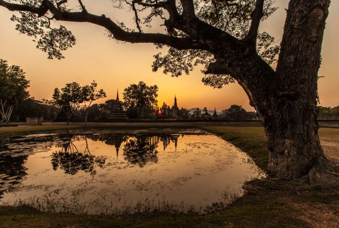 Thailand, Sukhothai sunset (by Gary Latham)