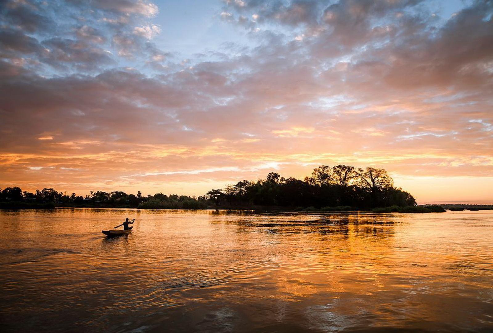 Laos Family Tour, 4,000 Islands sunset